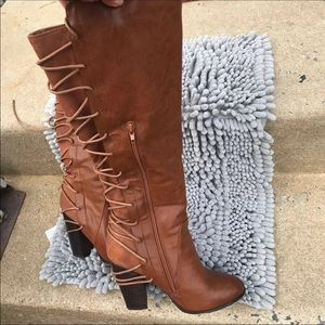 Size 8 women's knee boots